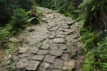 Nadherná je i stará německá cesta přes Teplické skály na Záboř
