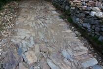 Nově štětovaná cesta v Obřím dole