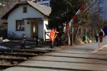 Náchod - nádraží, pohled na staré šraňky, vechtra a vechtrovnu, 25.2.2012  IMG_4667