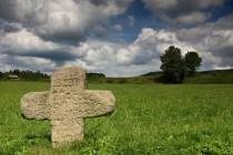 Smírčí kříž u České Metuje je jeden z nejhezčích v Evropě