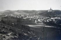 Niva řeky Metuje před regulací, pohled z Montace směrem k dnešní Itálii, přibližně počátek 20. st., foto - archiv Regionálního muzea v Náchodě