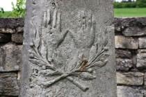 Žehnající ruce kohenitů a palmová ratolest jako symbol spravedlivého a ctnostného života