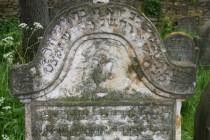 Levitský náhrobek s konvicí