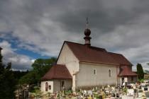Dobenínský kostel si udržel svůj jednoduchý raně gotický ráz