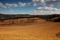 Krajina Českého koutku - pohled od Březové k Stolovým horám