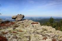 Lesní velkoinženýr (nenáviděný kůrovec) zde otevřel nádhérné výhledy do kraje