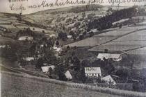 Začátkem 20. století žilo v Glasendorfu  asi 250 obyvatel, stály tu dvě hospody, škola, mlýn a  42 domů.