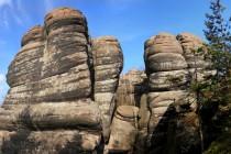 Místo s nedobytnou pevností malého skalního města