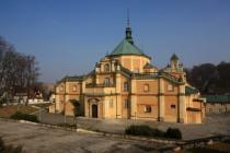 A nakonec, hned na kraji městečka, úchvatná barokní katedrála.