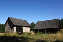 Uprostřed lesů je krásně situována samota Batorówek.