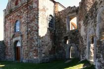 Na horním nádvoří - hlavní palác přestavěný na kapli - gotika, renesance i baroko pěkně vedle sebe ...