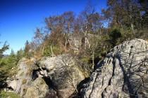I malým skalním bludištěm