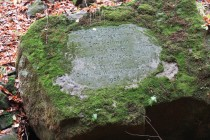 Reliéfy tesané do kamenů