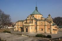 Vambeřice - bazilika Matky Boží. Pohled od staré poutní cesty směrem z Radkova.