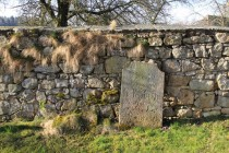 Chotěborky - hřbitovní zeď s náhrobky