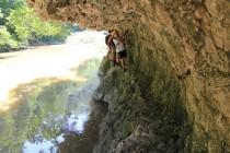 Skalní stezky nad řekou Nerou pamatují římské dobyvatele