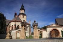 Valmadi se podílel i na přestavbě kostela v Hostinném. Pozdní gotika, renesance i baroko...