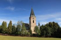 Kostel svatého Jakuba v Dolním Lánově. Ošklivá nepůvodní omítka postupně opadává...