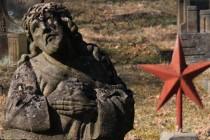 """Genius loci kostelů dotvářejí zanedbané hřbitovní areály v """"sudetském stylu"""""""
