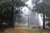 Černý kříž nad Sedloňovem