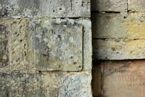 Lanžov - kostel svatého Bartoloměje, kameny se starými nápisy