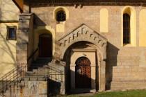 Lanžov - kostel svatého Bartoloměje, románský portál