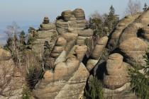 Na Jitřence. Aby člověk ocenil krásu místních skal, musí na vrcholy...