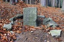 Oběť Jana Balatky připomíná v Zádušním lese, kde si vzal život, malý pomníček. Dnes je to úplně zapomenuté místo...