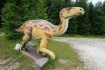 Dinosaurus z nedalekého muzea