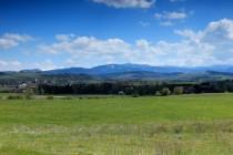 V Kladské zemi - Martinova hora jsou ty bílé pláně vlevo na obzoru