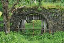 Brána na hřbitov