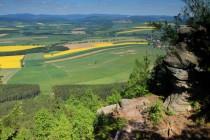 Výhledy z okrajových skal Velké plošiny Broumovských stěn