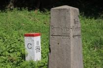 Starý německý cestník na hranici v Řeřišném
