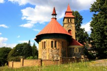 Kostel sv. Josefa v nedalekých Šedivinách
