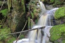 Hezké vodopády jsou i v dalších soutěskách