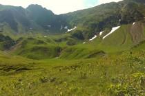 Sestup dolinou Avrigu