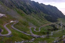 Transfagarašská silnice na severní straně hor